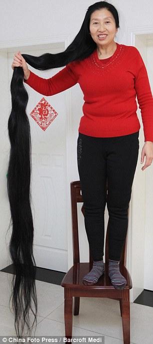 سيدة لا تقص شعرها لمدة...........فوتوا شوفوا 731714dfecd521b059bf